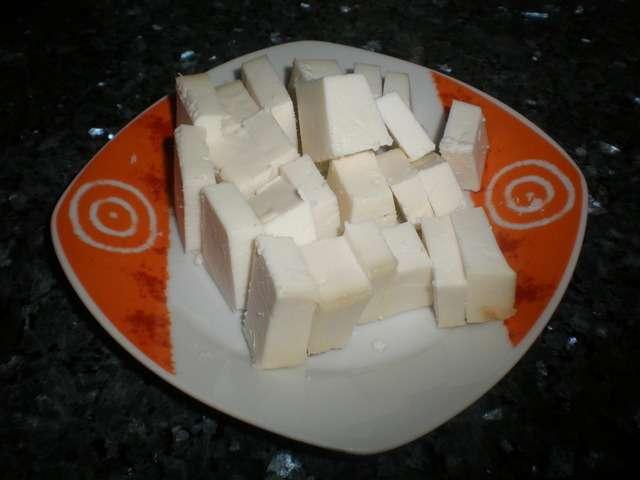 b0iVqd - Dumplings de pollo con salsa de queso ahumado